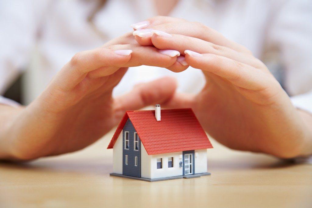 hands on house model