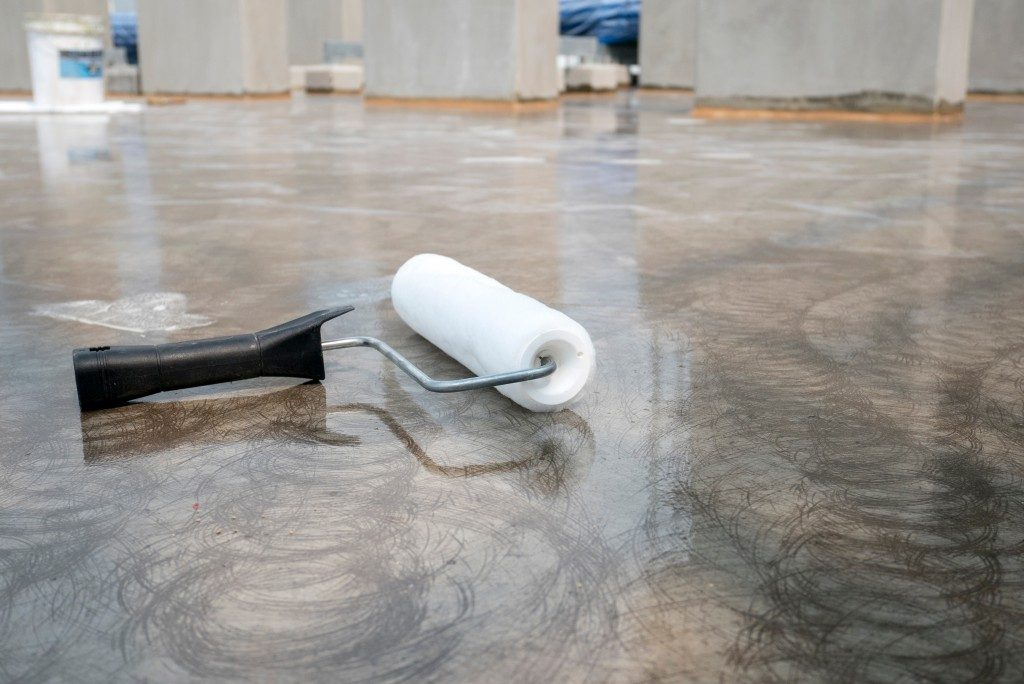 clean paint roller on the floor
